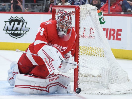 USP NHL: TORONTO MAPLE LEAFS AT DETROIT RED WINGS S HKN DET TOR