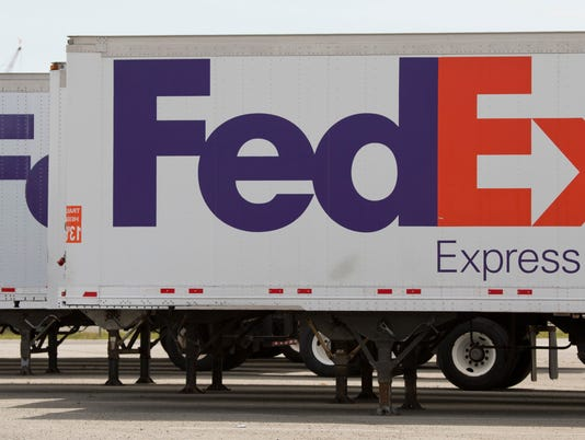 AP FEDEX-HOLIDAY F A USA VA