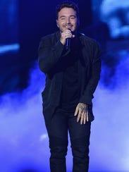 """J Balvin performs onstage at Telemundo's """"Premios Tu"""