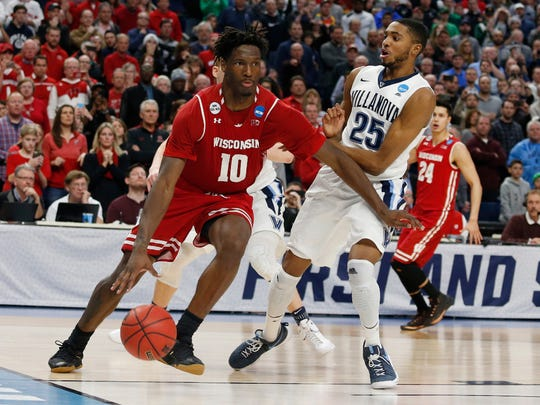 Wisconsin forward Nigel Hayes (10) drives to the basket against Villanova in during the second round of the NCAA Tournament.