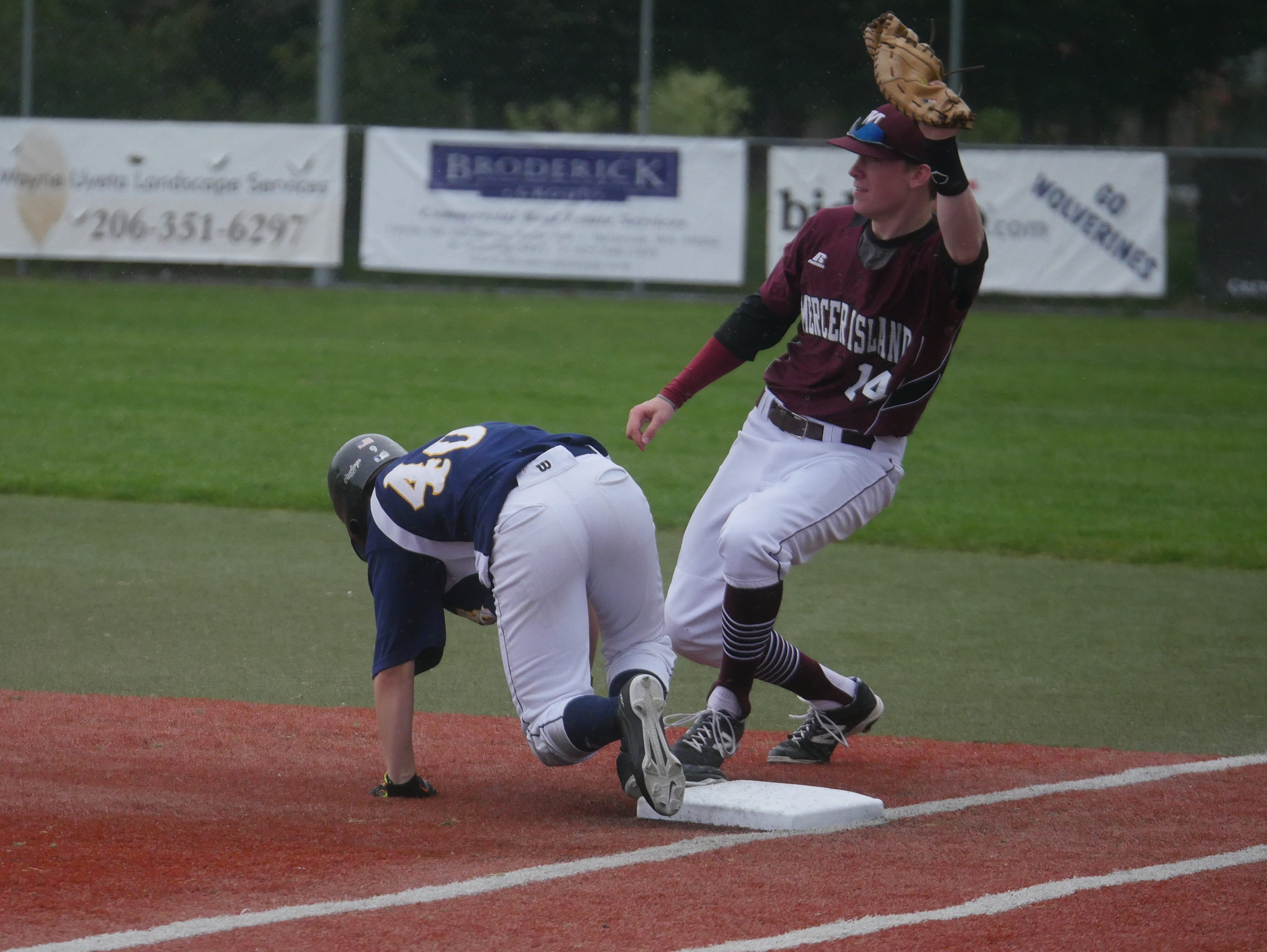 Mercer Island first baseman Jack Smith in a game against Bellevue.