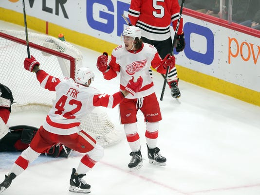 NHL: Detroit Red Wings at Chicago Blackhawks