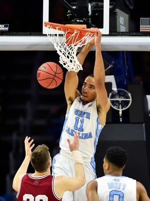 North Carolina Tar Heels forward Brice Johnson slams down an easy deuce.