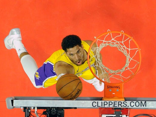 Los Angeles Lakers guard Josh Hart (5) scores a basket