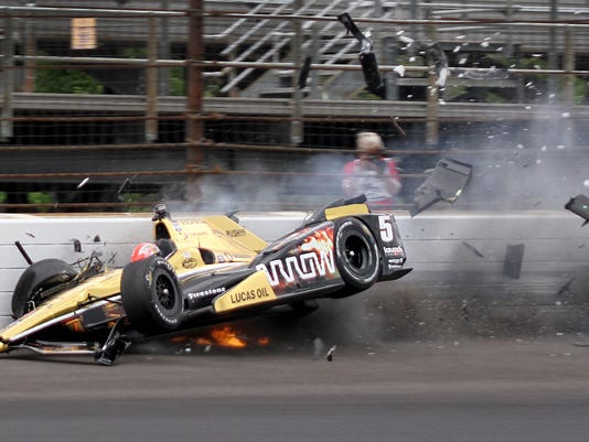 -3_Hinchcliffe_crash.jpg_20150518.jpg