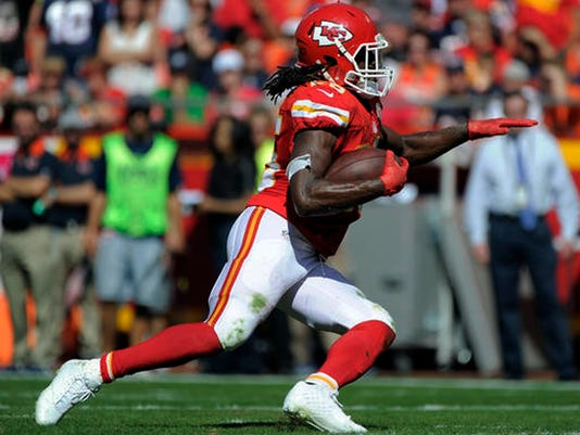 01423663 Jamaal Charles signs 1-year deal with Denver Broncos