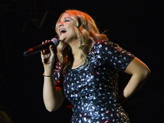 Lauren Alaina performs at Country Thunder Arizona on