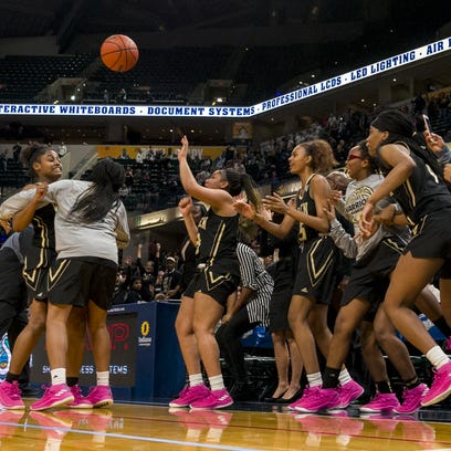 Doyel: Warren Central's Warriors wear pink, and they won't stop any time soon