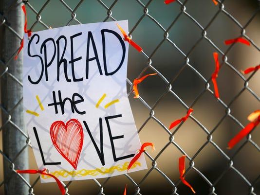 Columbine High School, orange ribbons, sign
