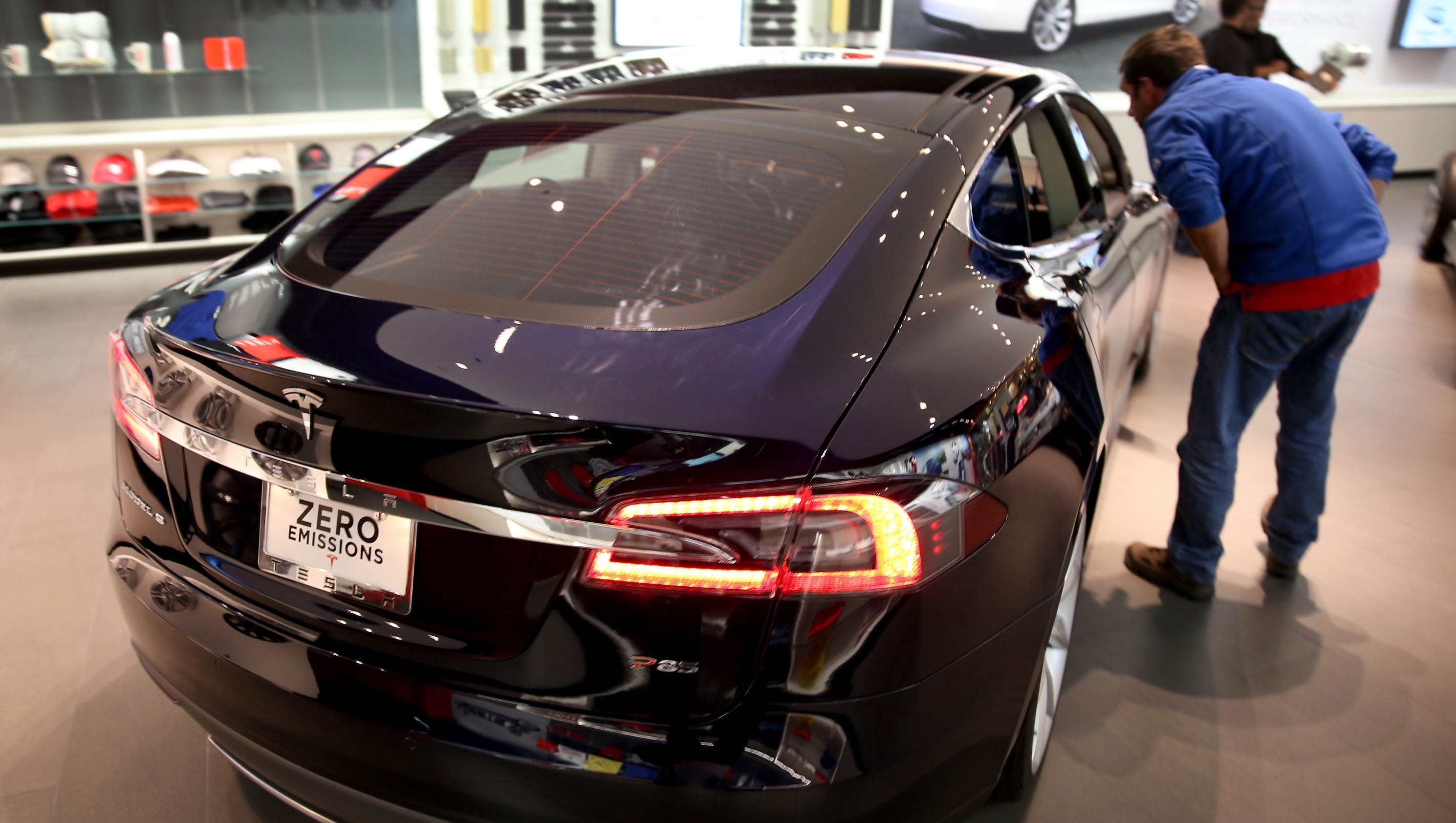 New Longest Range Tesla Can Go From Boston To Philly