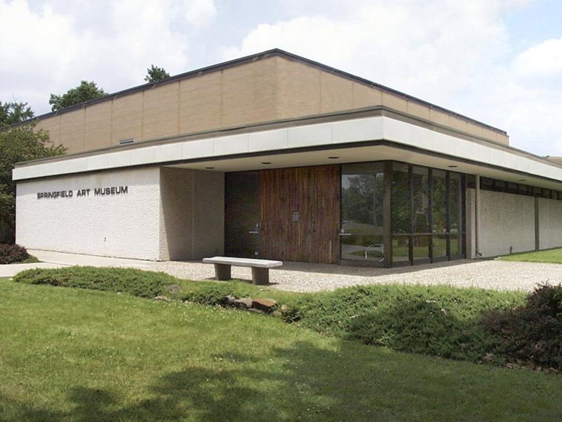 A 2003 photo of the Springfield Art Museum entrance,