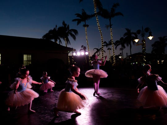 Students with Etudes de Ballet Company perform along