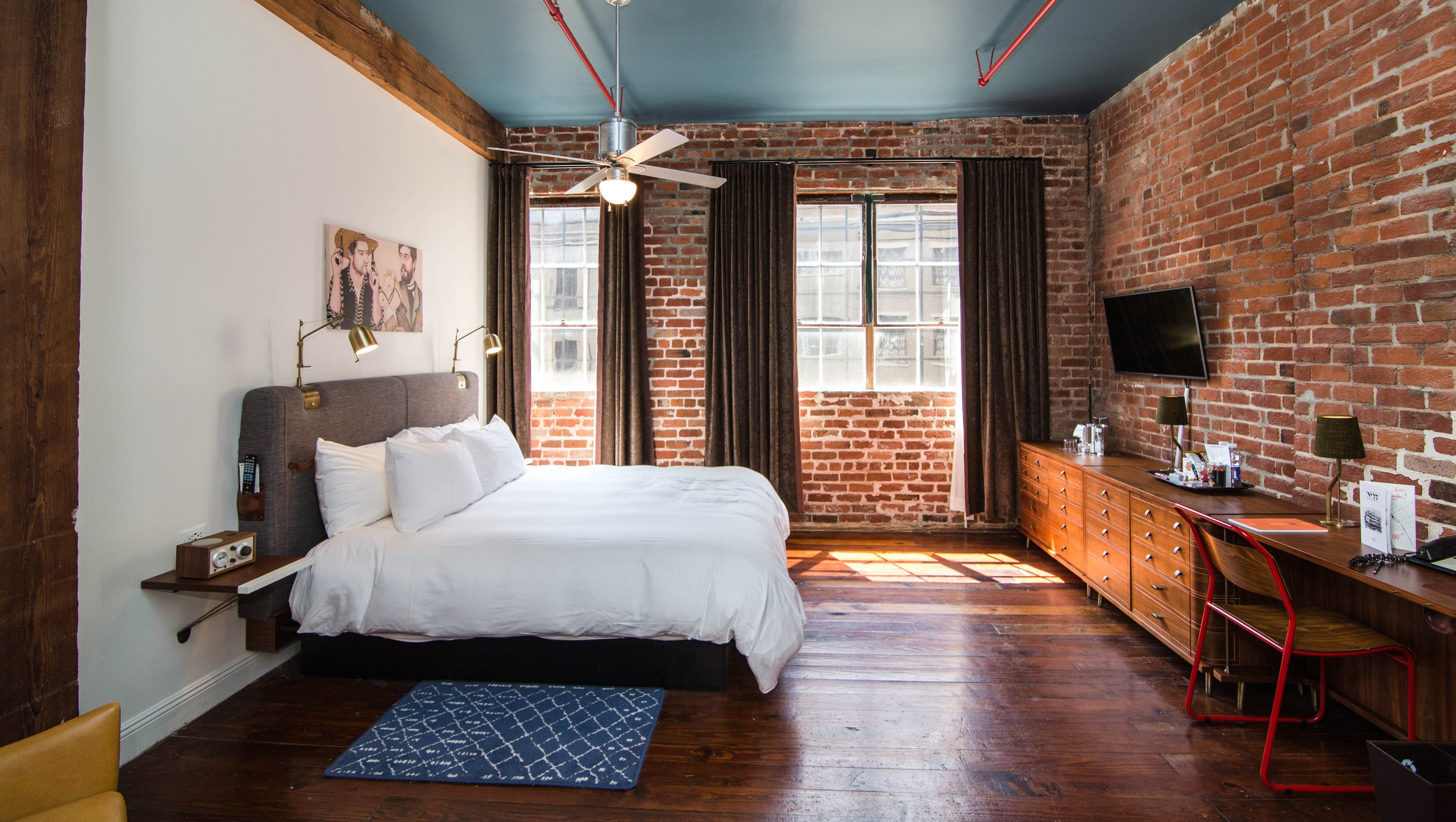 10 stylish hotel rooms for under 100 a night for Stylish hotel