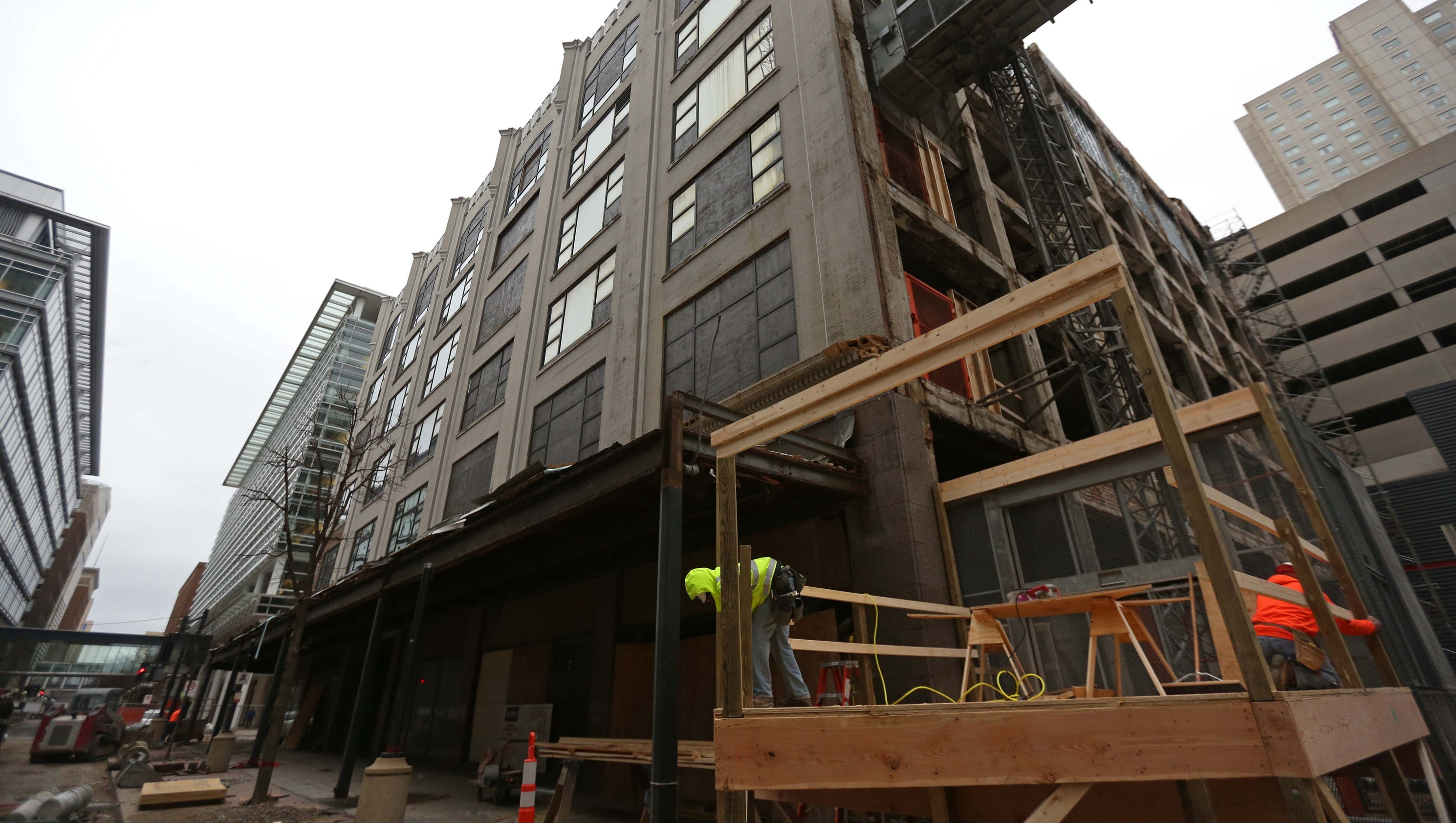 10 photos inside the wilkins building for Construction local commercial
