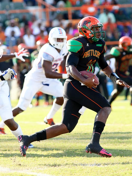 Fleming leads Rattlers to first victory, 24-14