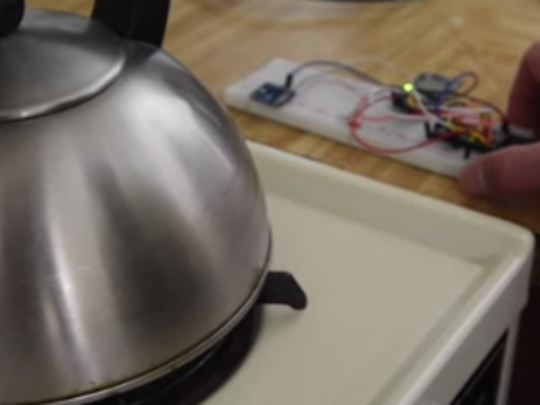 David Nghiem's Stove Top Sensor prototype can alert you if your stove is on
