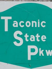 Taconic State Parkway road sign