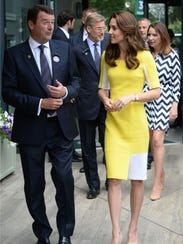 Kate met with ball boys, ball girls and Armed Forces