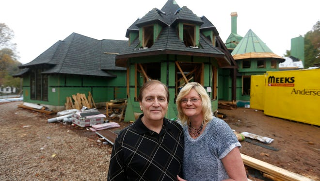 "Bill Viles and fiancee Debbie Murphy are building the ""Harry Potter"" house at Pickwick Avenue and Bennett Street."