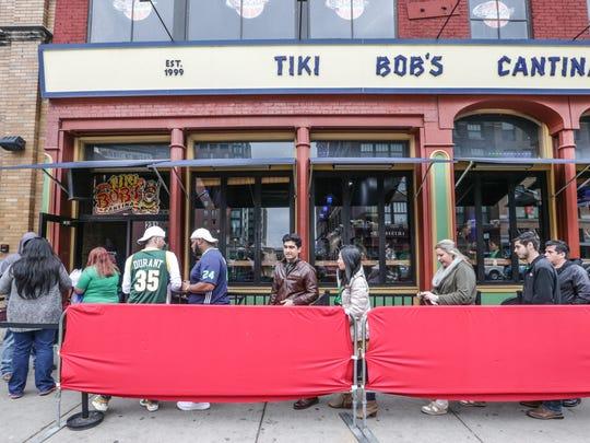 Revelers head inside to celebrate St. Patrick's Day