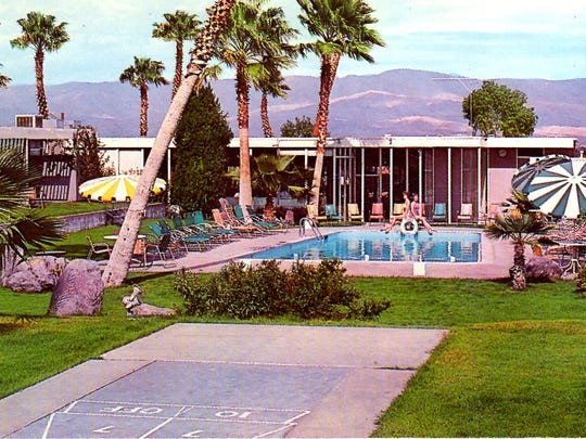 Whispering Waters Hotel. (postcard circa 1963)