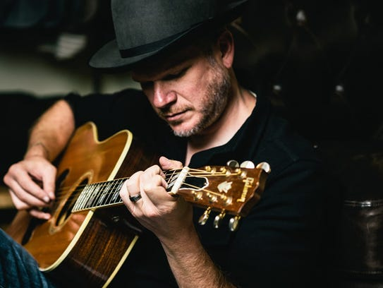 Hear talented singer-songwriter Jason Eady on Saturday