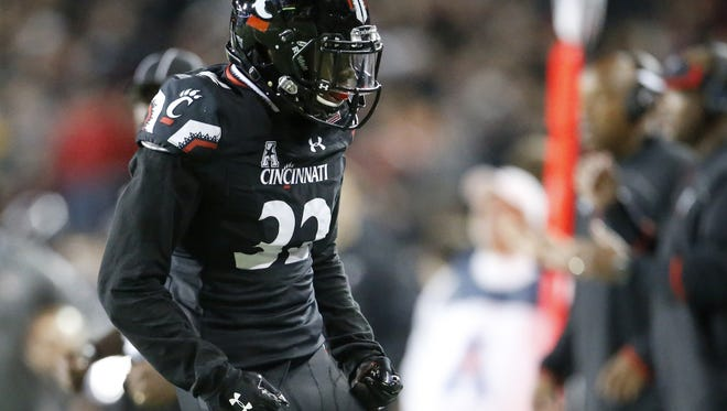 Cincinnati Bearcats linebacker Jaylyin Minor entered Saturday as the American Athletic Conference leader in tackles.