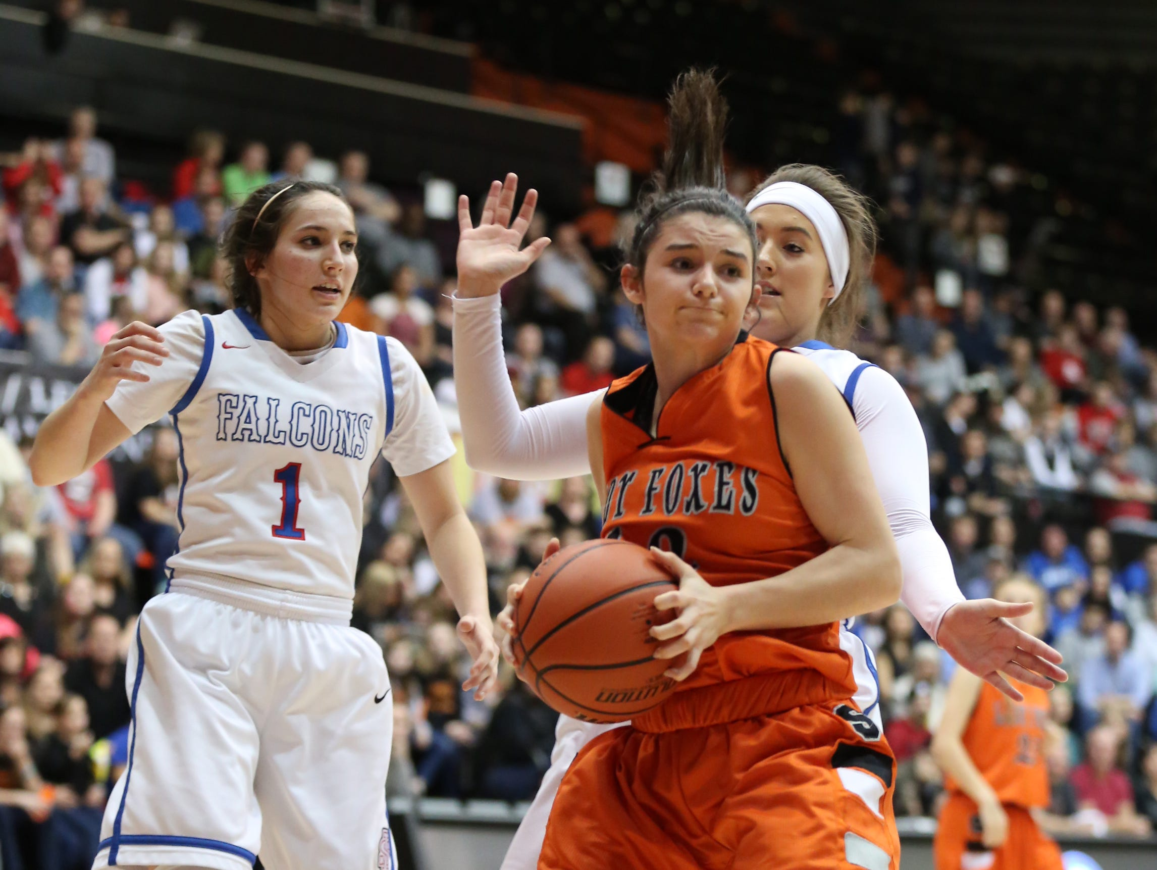 Silverton's Brooke McCarty and the Foxes fall to La Salle 42-28 in the OSAA Class 5A state championship on Friday, March 10, 2017, at Gill Coliseum in Corvallis.