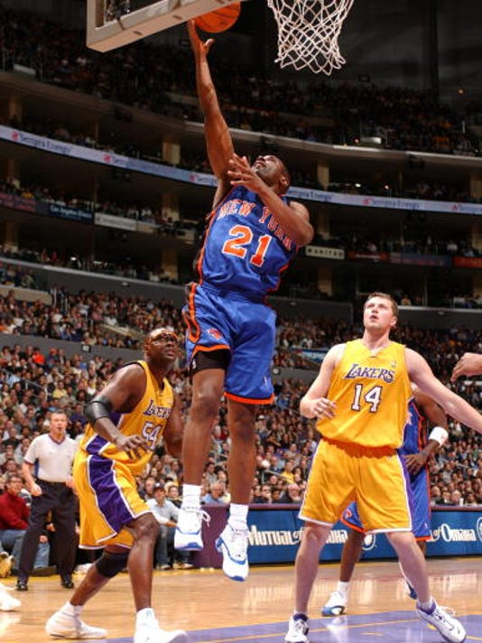 Knicks v Lakers