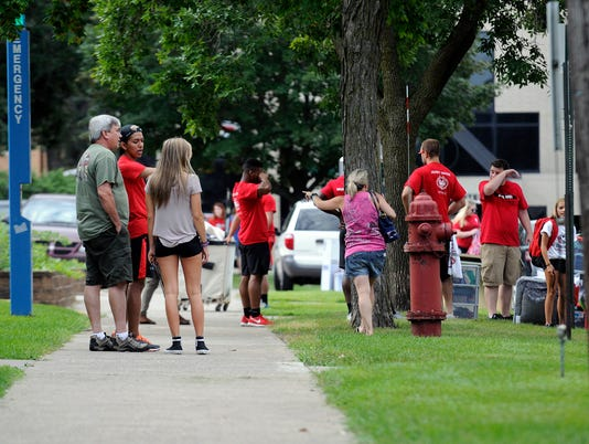 636071258883734291-SCSU-Move-In-Day-1.JPG
