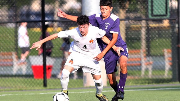 Milton Mancias-Magana(4) is an elusive talent who's usually a step ahead of the defense and quick to find Mamaroneck teammates for high-percentage chances.