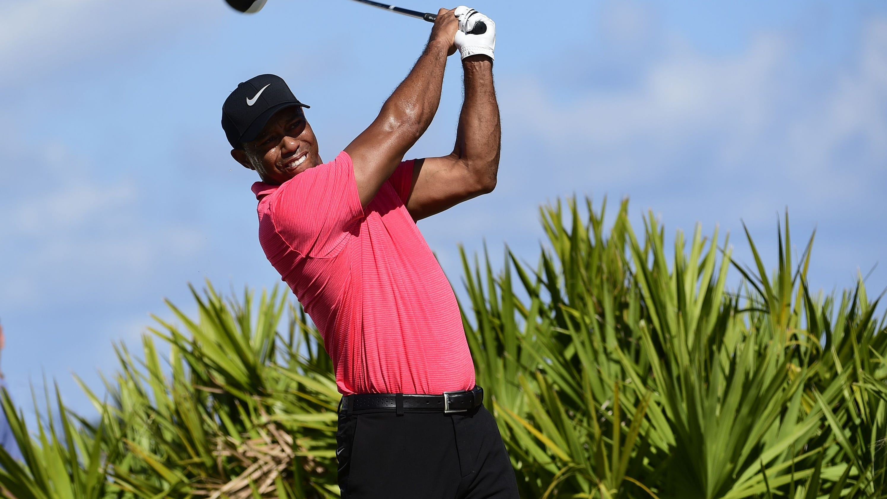 tiger woods to start season at farmers followed by genesis