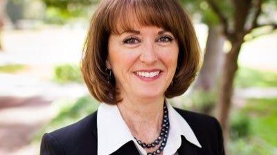 Superintendente da Direção Escolar do Estado do Utah, Drª Sydnee Dickson, que assinou o MdE.