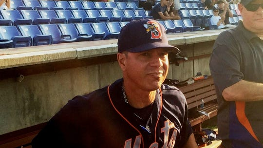 B- Mets manager Pedro Lopez steps out of the dugout