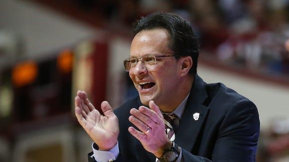 IU coach Tom Crean hopes to land top-50 recruit De'Ron Davis this week.