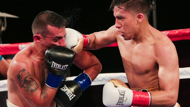 Joshua Franco, right, will face Oscar Negrete in a battle of bantamweights in Costa Mesa on Thursday night. Franco is trained by Oxnard's Robert Garcia.