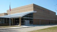Thurston seniors seek larger graduation site