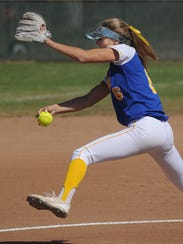 Agoura pitcher Lexy Mills throws a pitch against Rio