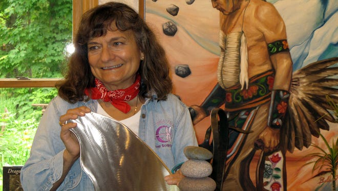 Much of Sara Balbin's works deal with Native American elders and heritage.
