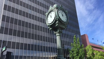 Why is downtown Reno clock stopped?