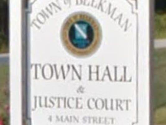 Beekman_town_hall.JPG