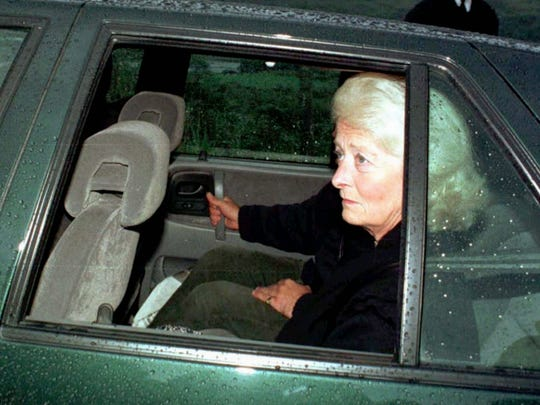 Frances Shand Kydd, Diana's mother, leaves her  Scotland
