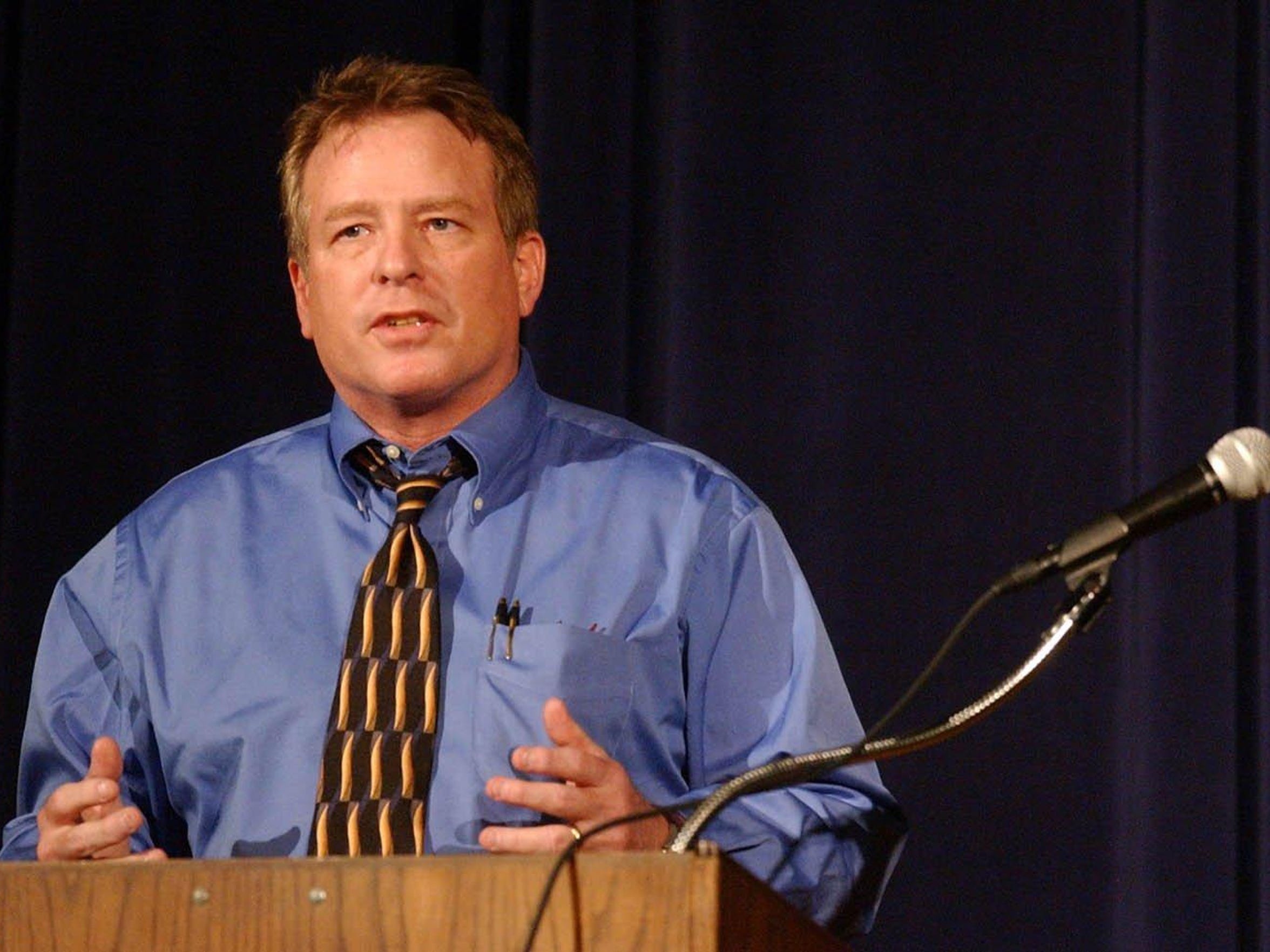 Keynote speaker Rob Lytle talks to ninth graders at
