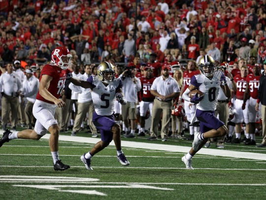 Washington receiver Dante Pettis tied the Pac-12 record for career punt-return touchdowns with this 61-yarder in the second quarter. Pettis and former California star DeSean Jackson each have six career punt return touchdowns.