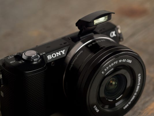 635502820437500108-sony-a5000-review-design-flash