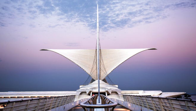 The Calatrava Angel Wings sculpture on top of the Milwaukee Art Museum.