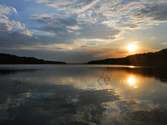A gorgeous sunset view at Fellows Lake.
