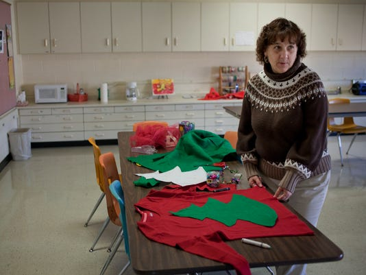 PTH1205 UGLY SWEATER
