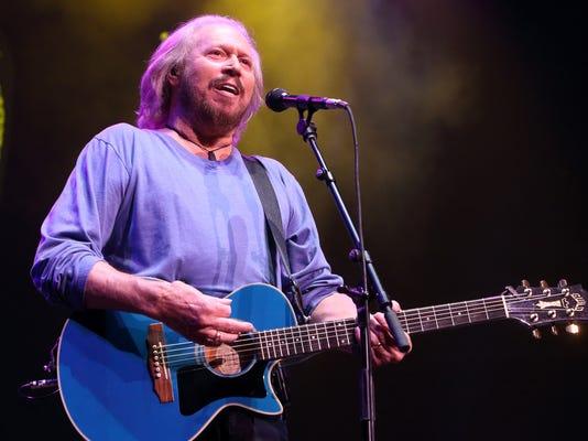 Barry Gibb in concert - Philadelphia (2)