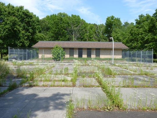 The Howard Stern Rest Stop is located off of Interstate 295 northbound in Springfield Township. It was closed in 2003.